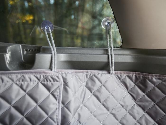 ochranny potah do auta prichyceni